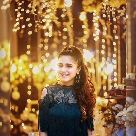 Aima Baig Celebrating her Birthday with her Friends
