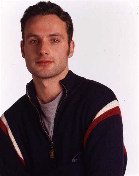 HE LOOKS SO YOUNG :3 | Andrew lincoln, Andrew, Lincoln